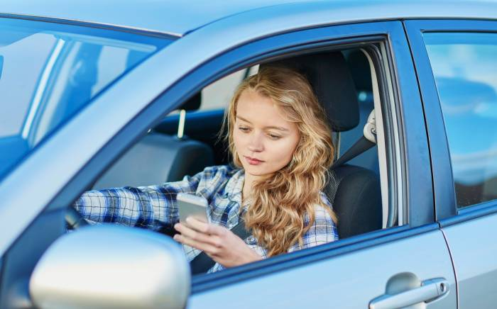 How to Prevent Teen Distracted Driving